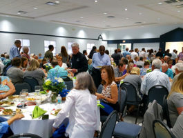Picture of people enjoying dinner at the 2018 Annual Meeting